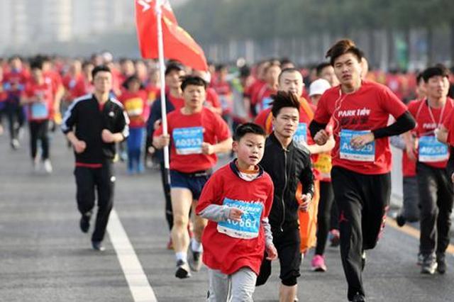 国内各城市马拉松赛受欢迎 医生建议勿盲目参赛