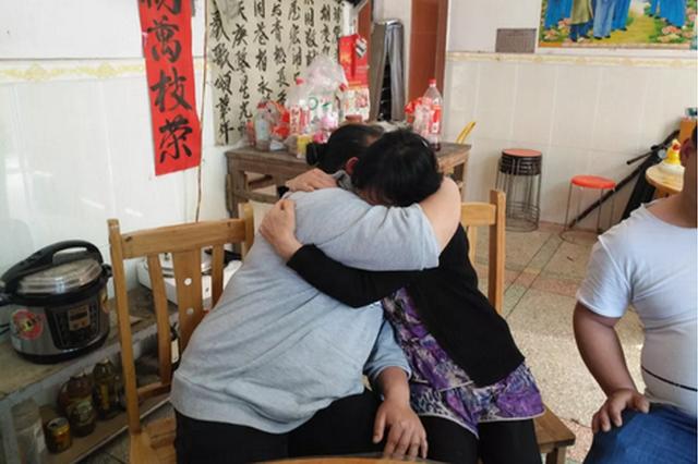 横县一母亲流落山西27年无音信 民警帮助得以重聚