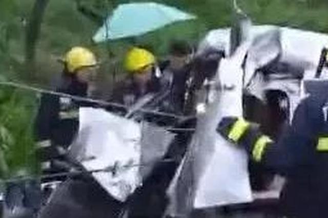 货车撞飞五菱车 司机不幸身亡!三月三出行安全指南