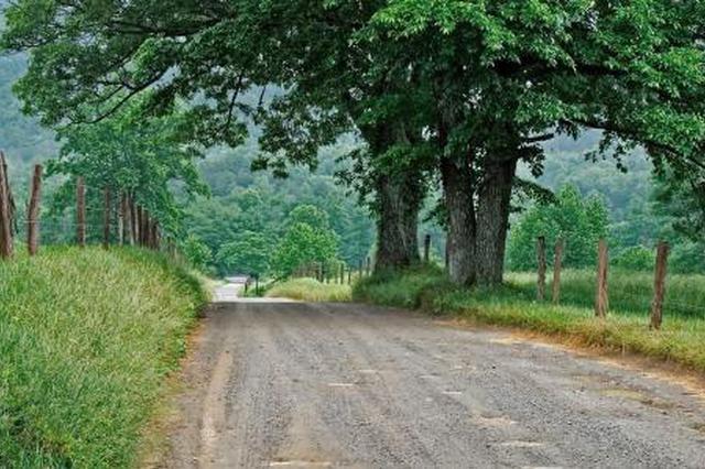 天津维修改造乡村公路 整修路桥消除隐患