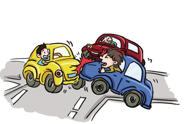 疯狂司机砸车撞人还想当警察面干架 临桂男子被刑拘