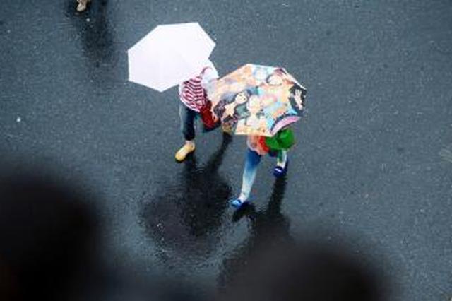 周末雨水相伴出门随身带伞 未来一周南宁多降雨天气