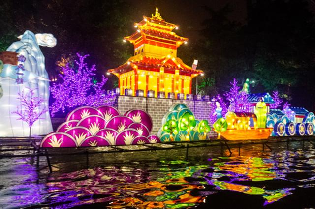 大美桂林 多彩文化!数千盏艺术花灯点亮两江四湖