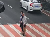 小车在江门违停被抓拍:交警不罚还表扬真相令人暖心