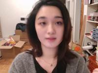 广州一男子疑偷拍并言语羞辱女同学 警方已介入调查