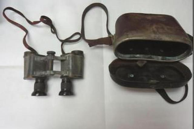 两件日本侵华罪证亮相合肥 主人靴筒刻字终战纪念日