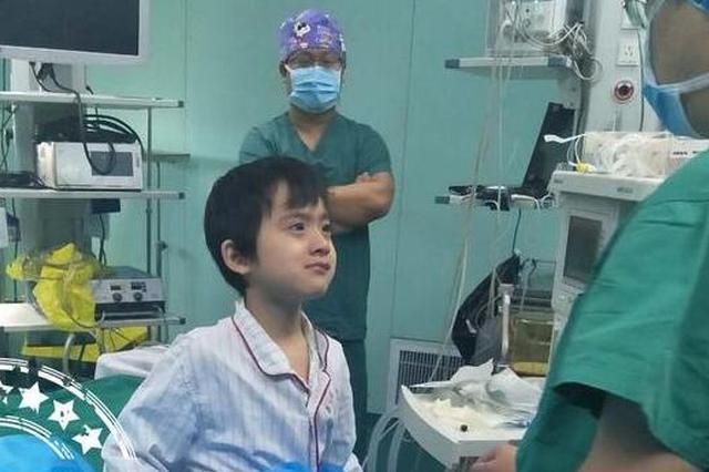 """漳州""""瓷娃娃""""获捐12万多 赴天津手术很顺利"""