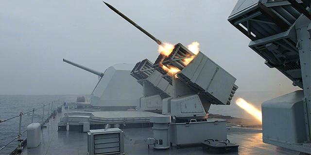 一波齐射摧毁岸防阵地!中国唯一火力支援舰将退役
