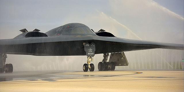 军机为何穿过水幕?美空军每年凭这个少花20亿