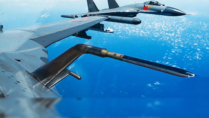護國安邦!國慶期間進行例行巡邏任務的殲10殲11