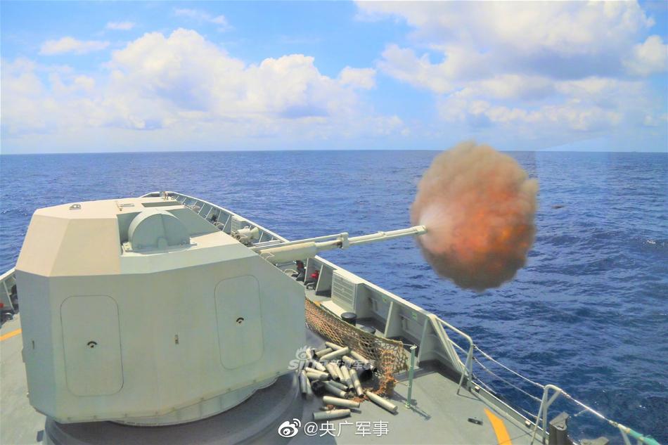 驰骋大洋威震海疆!南部战区056护卫舰主炮对海打击