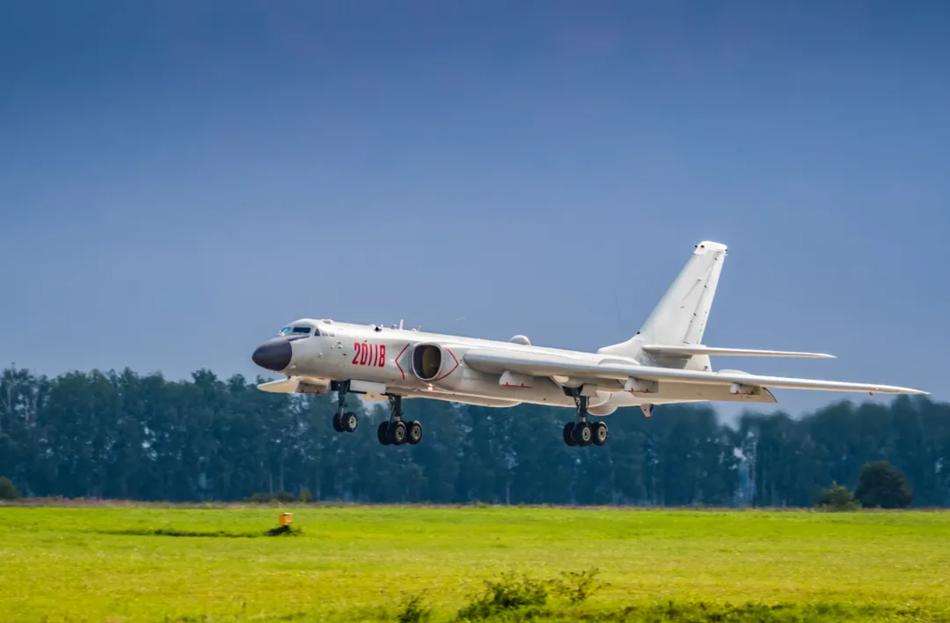 周末大放送!一组图集带你看中国现役主力战斗机