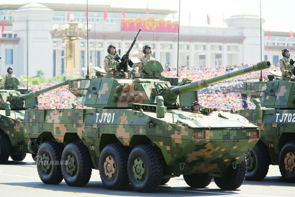 中国陆军野战主力装备图集 装甲劲旅火力完备
