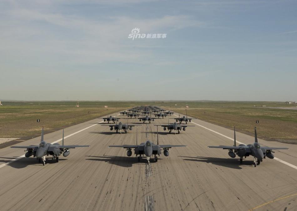 可惜全是摆设!美国民警卫队航空兵F-15E大象漫步