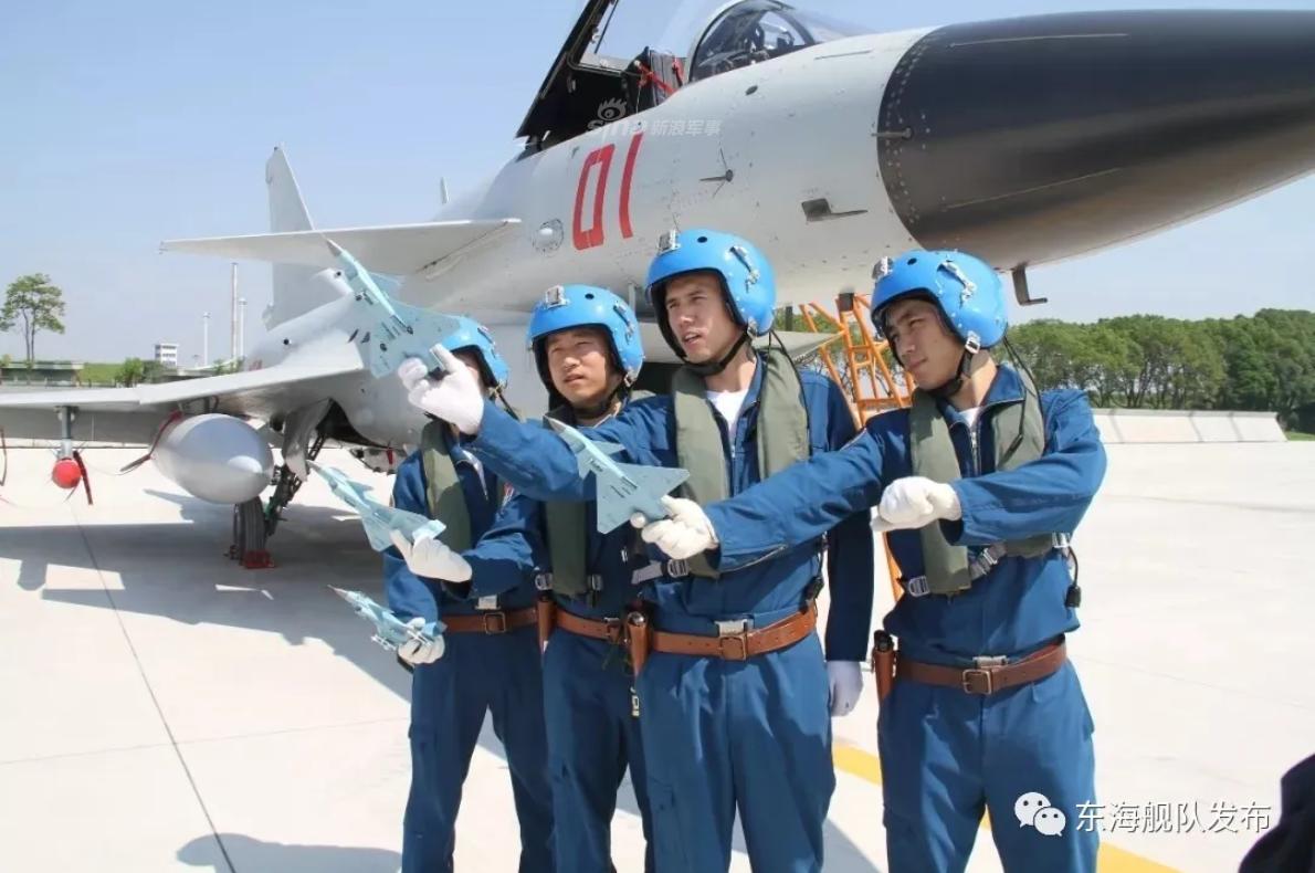 歼10A立功无数!东海舰队英模航空兵部队训练对标实战