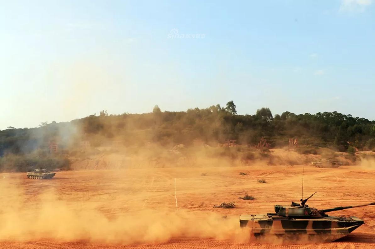 看我炮打勇虎!对台一线陆军63A两栖坦克勤练实战