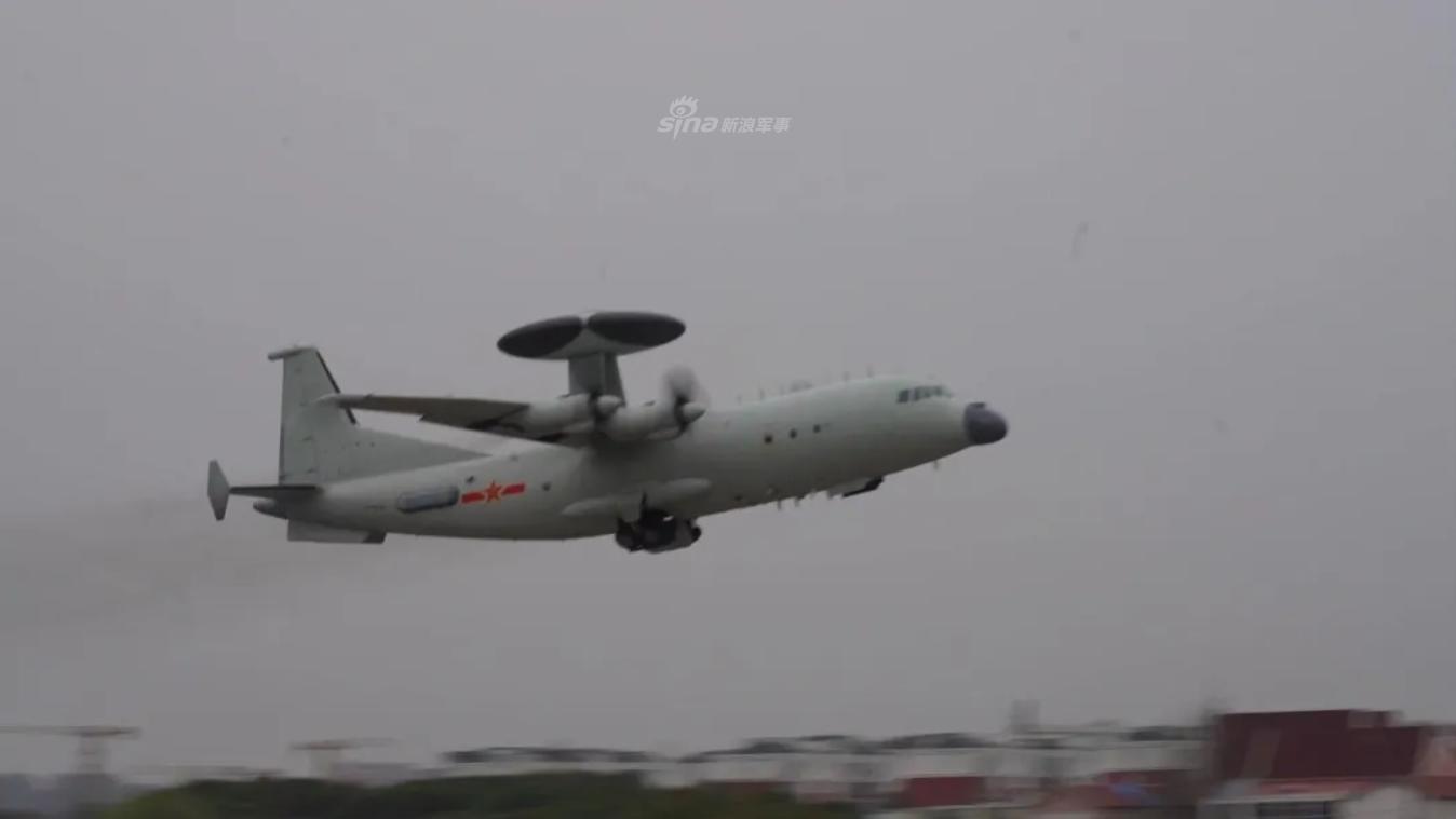 这才是空战!东海舰队航空兵空警500引导多型战机对抗