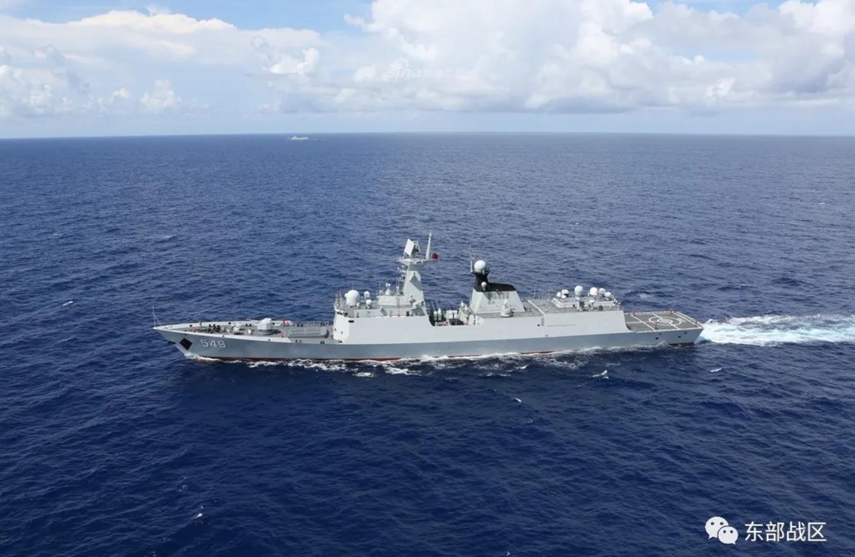 大国海军亮剑!东海舰队052D率054A组队实弹射击演练