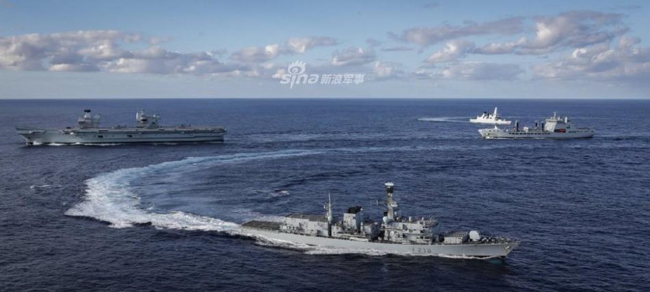 这要是毛熊你就沉了!英美海军联演护卫舰逼停核潜艇