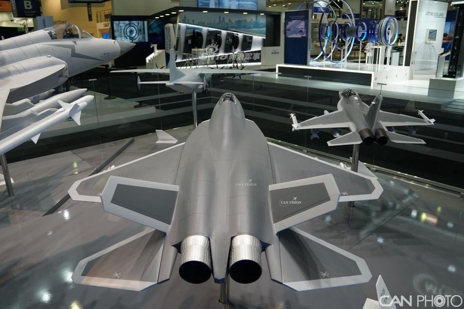 FC-31风头不再!中航工业15项外贸机型亮相巴黎航展