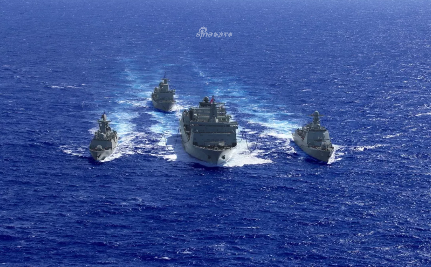 纵横四海不断供!南海舰队远海联训编队战时补给演练