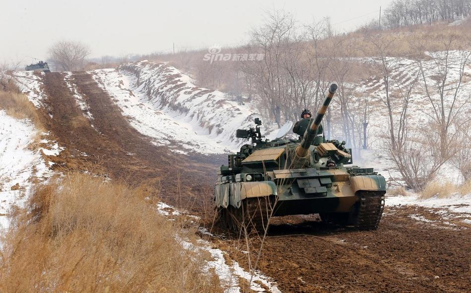 中国无人坦克亮相 百度热搜 图2