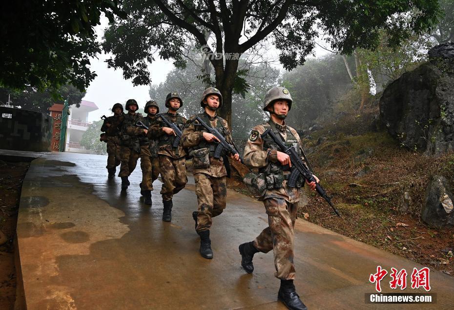 """边境上的""""中国年"""":00后中国军人撑起南疆戍边重任"""