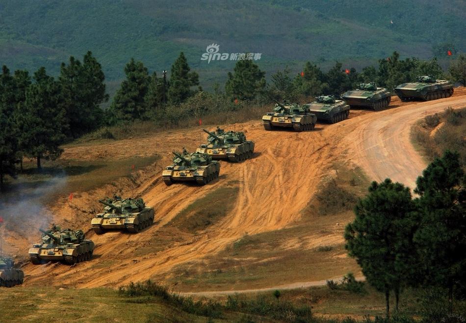 中国无人坦克亮相 百度热搜 图4