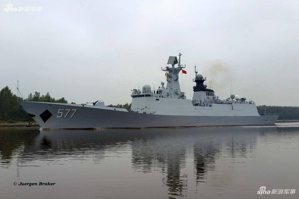 风景如画!中国海军访问编队再游德国基尔运河