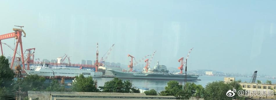 换辽宁舰做保养!中国首艘国产航母已出坞或再海试