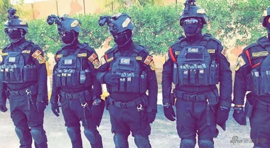 拉克之剑 穿着07军服的帅气伊拉克大兵拍大片图片