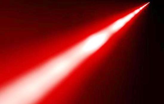 图为激光武器发射的现象