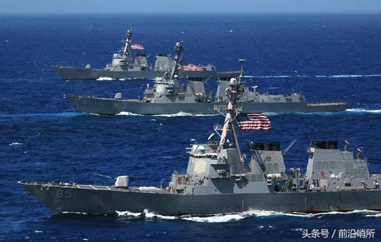 美退役军官刚指出美海军11大问题 美舰就在船坞被淹