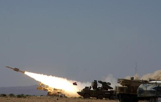 图为2017年训练中的叙利亚防空军,可见其装备的三种中近程防空导弹。