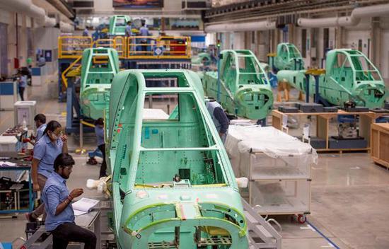 图为印度塔塔工业和美国波音公司共同建立的