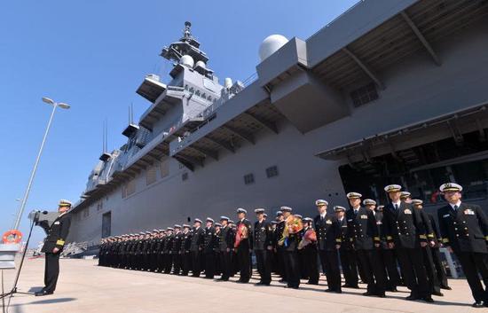 日本加贺号准航母要来南海 抗日神剧中被我战机撞沉