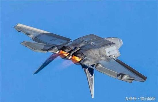 美国空军F-22超机动飞行