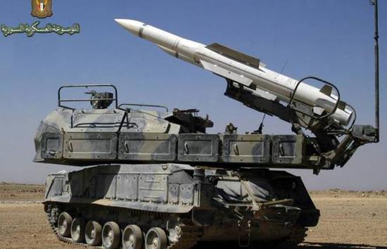 """图为叙利亚防空军的Buk-M2E""""山毛榉""""防空导弹。"""