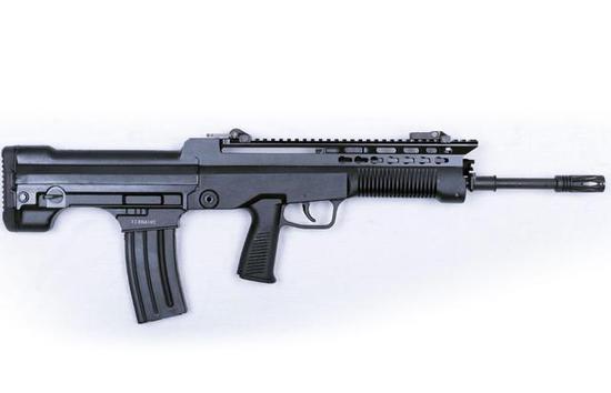 图为T97-GEN-2(第二代)步枪。注意枪托底部的快慢机。