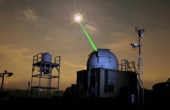 美航天局用来测距的激光束