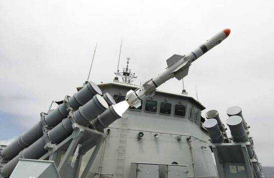 """舰对舰版AGM-84""""渔叉""""反舰导弹"""