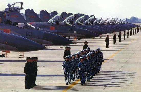 当年王海大队也是中国空军第一个配备苏27的单位