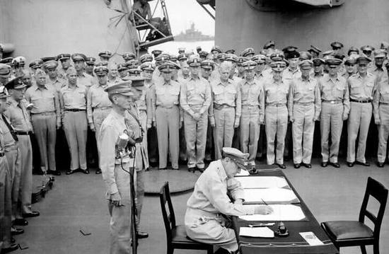 美打赢太平洋战争尼米萌学园 之魔法号令兹首功 为何不想参加受降