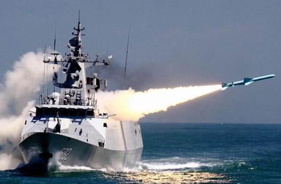 美媒猜中国海军下一步目标:航母潜艇两栖舰同时造