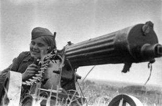 前线奋战的俄国女兵