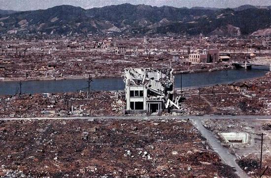 美历史学家:最终促成日本投降的不是核弹 而是苏联