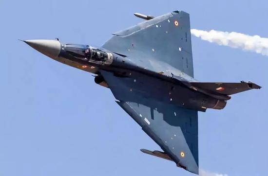 首飞20年仅装备2个中队 印度LCA战机将如何发展