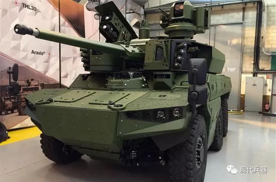 """法国防工业首次展示""""捷豹""""6×6装甲车 装备双人炮塔"""