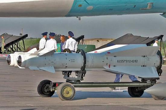 俄士兵机库内发射导弹致装备受损 最后仅罚款了事