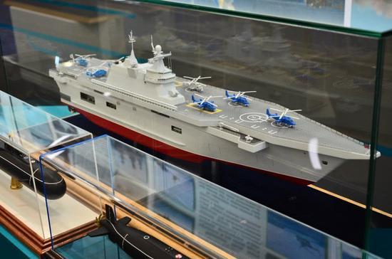 俄准备建船坞登陆舰 排水量2.5万吨载20架直升机